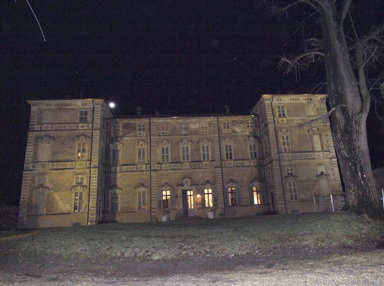 santena castello cavour notte