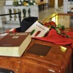 DON GALLO: SUL FERETRO LA BIBBIA E LA COSTITUZIONE