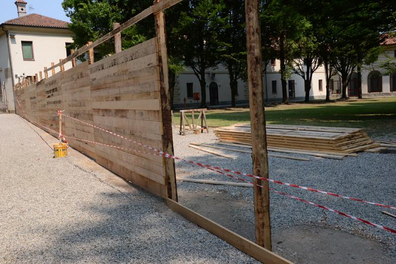 Recinzioni cantiere in legno – Terminali antivento per stufe a pellet