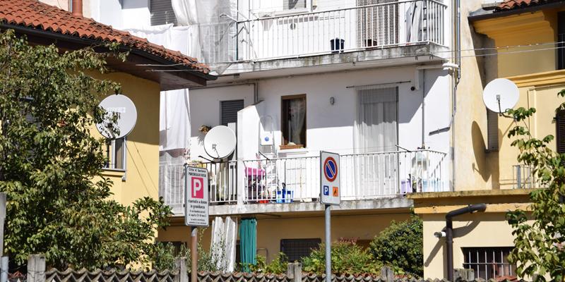 Santena stop alle antenne paraboliche su balconi - Giardini sui terrazzi ...