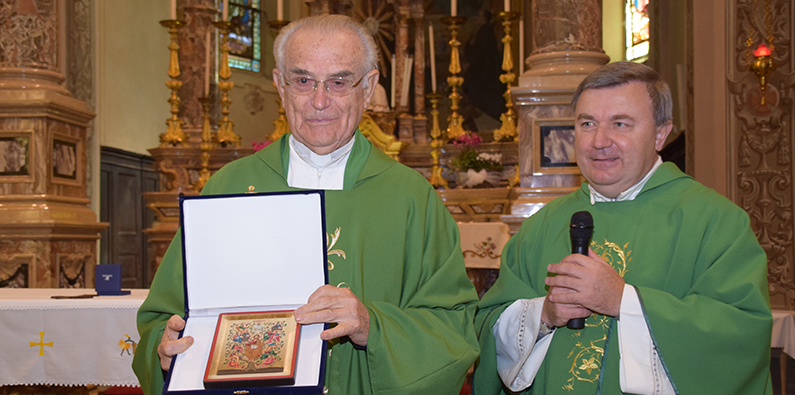 Don Giovanni Griva e il parroco don Beppe Zorzan