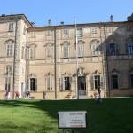 Castello_cavour_santena_aprile2013