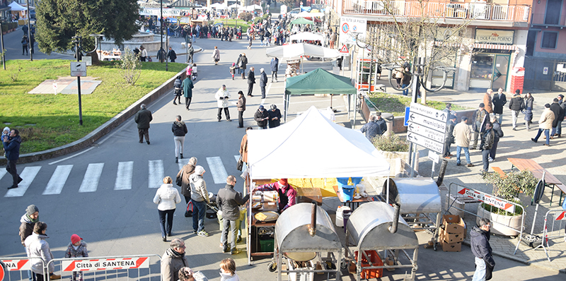 SantenaMercatinonatale2015_piazza